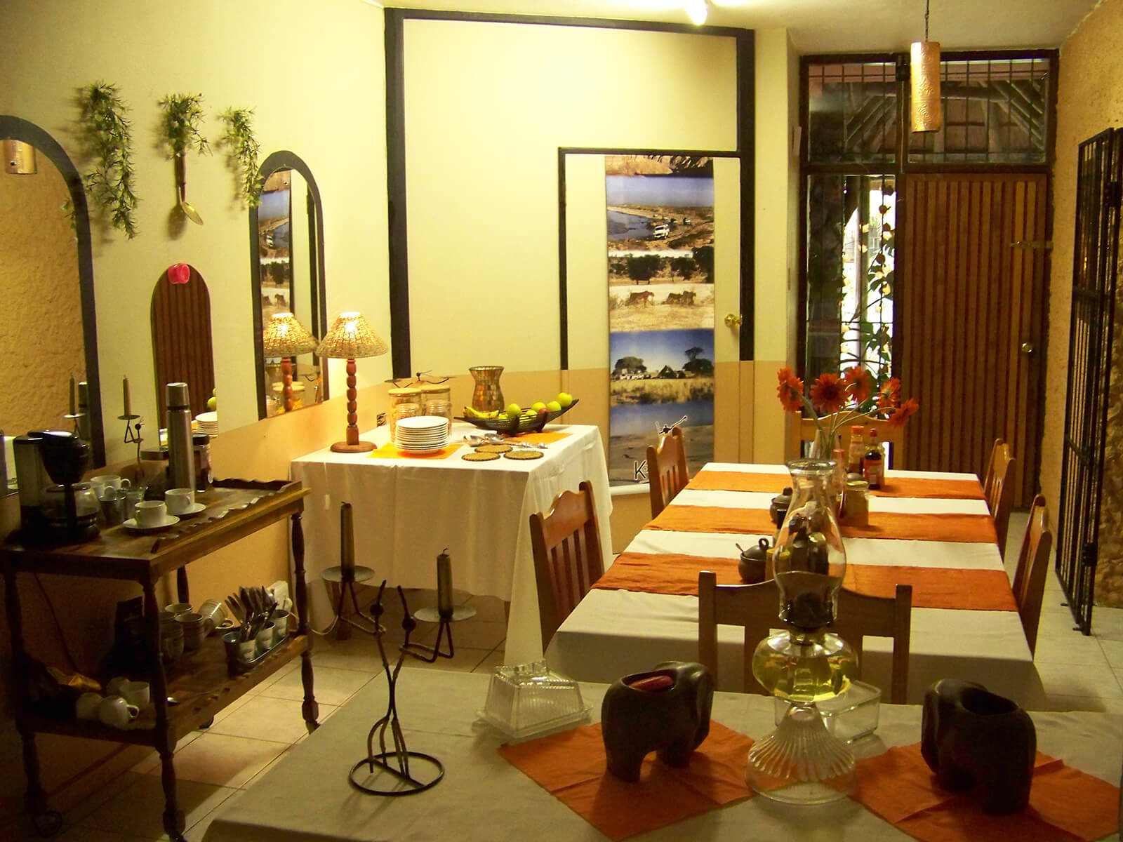 09 Mazurka Waters - Dining room
