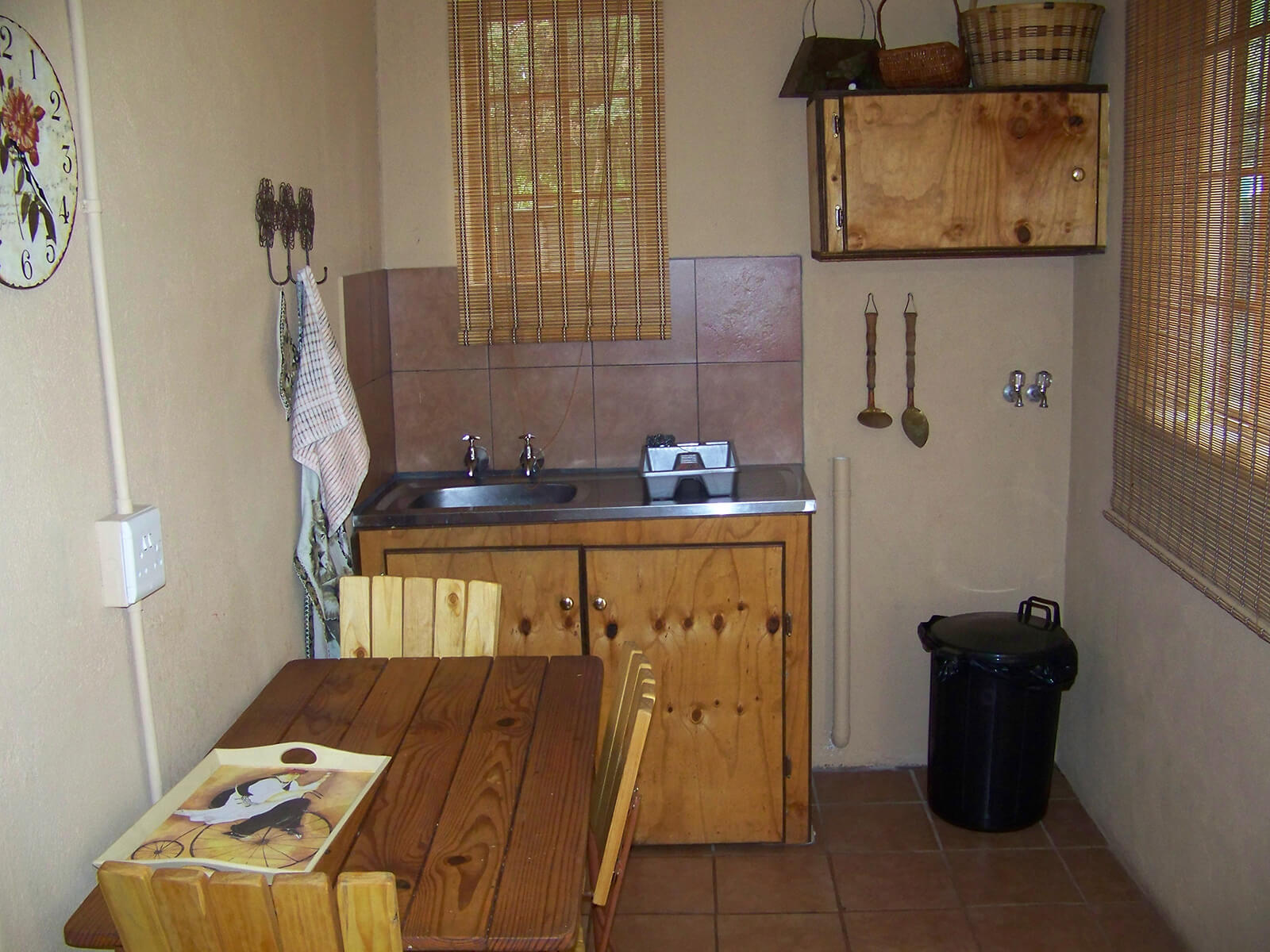 14 Guest Houses - Flat Kitchen