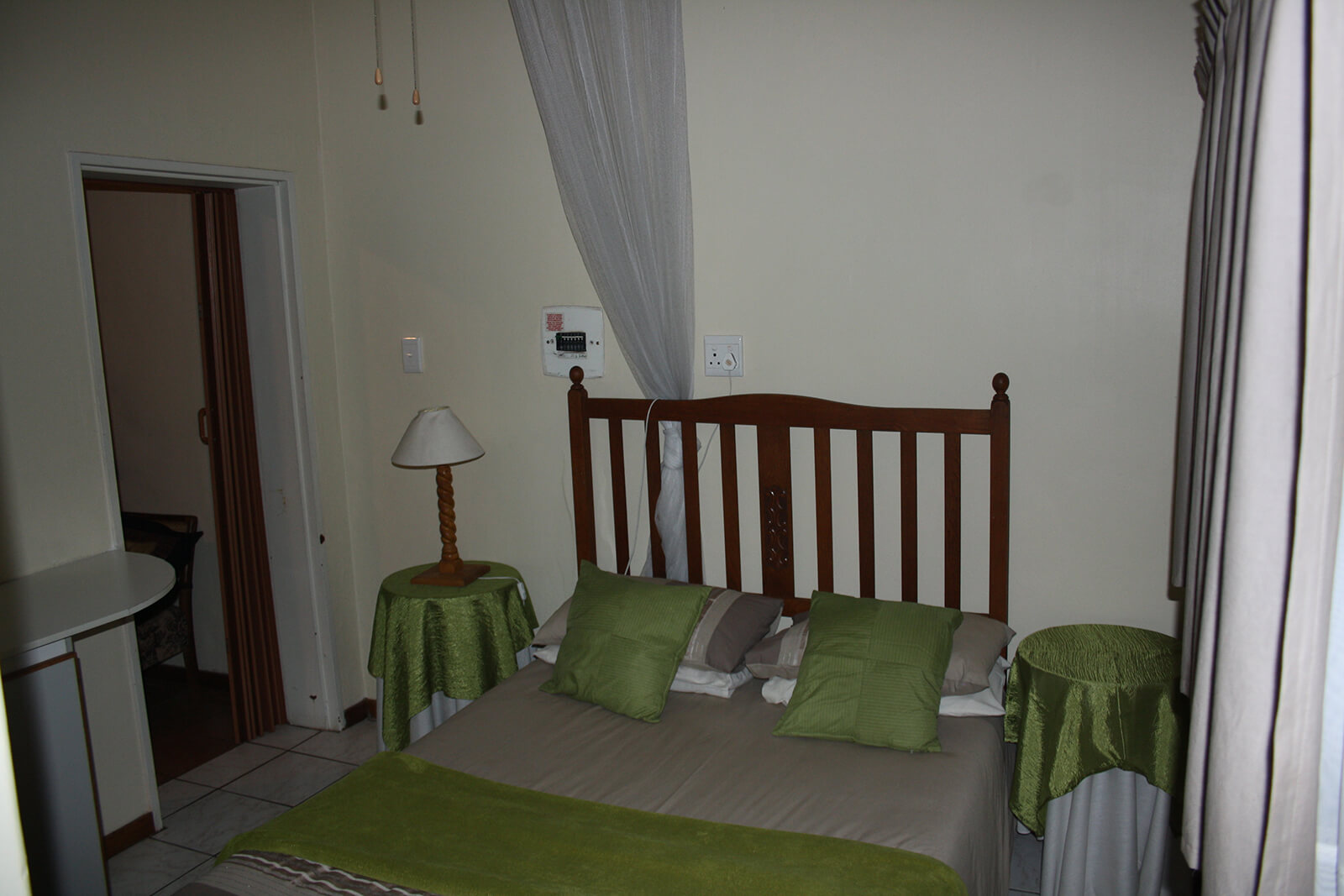 12 Guest Houses - Mazurka Waters - Flat main bedroom